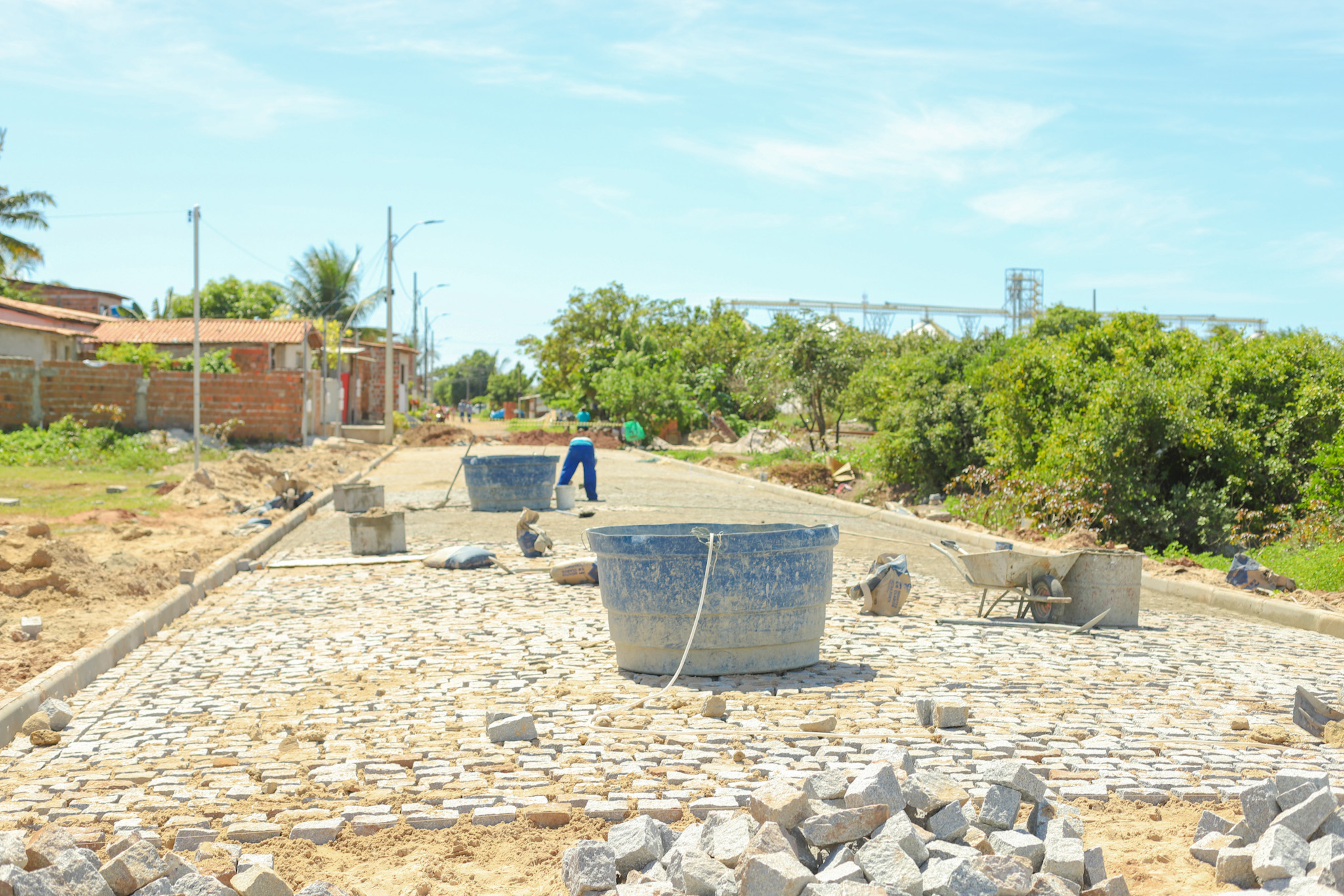 Obras do Pavimenta Cabedelo seguem levando calçamento de qualidade a mais de 15 ruas em cinco bairros